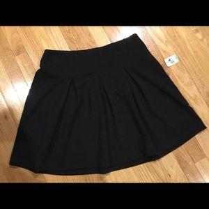 New Alfani Pleated Skirt Size 8